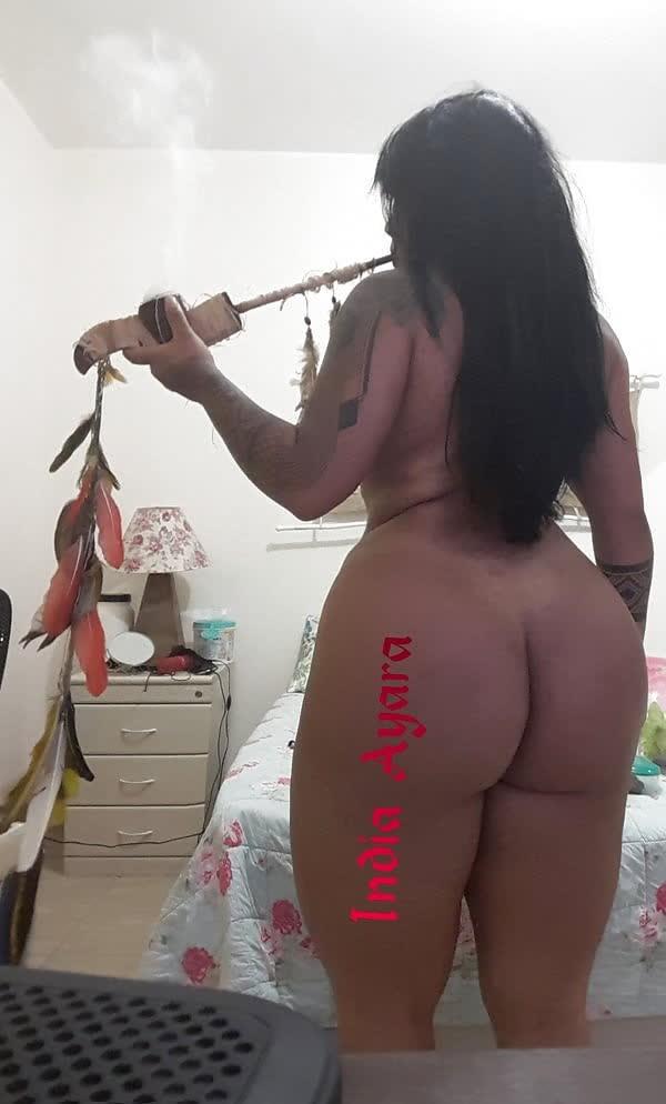 india-mostrando-seu-corpo-gostoso-1