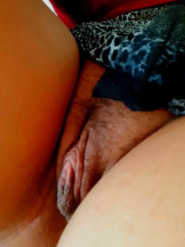 india-mostrando-seu-corpo-gostoso-16