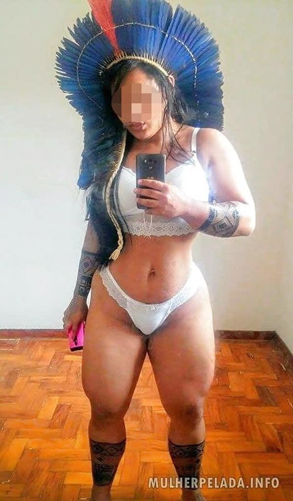 india-mostrando-seu-corpo-gostoso-28