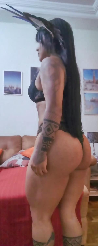 india-mostrando-seu-corpo-gostoso-31
