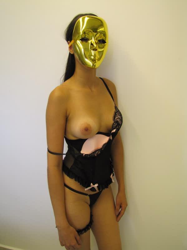 usou-mascara-para-se-mostrar-bem-safadinha-19