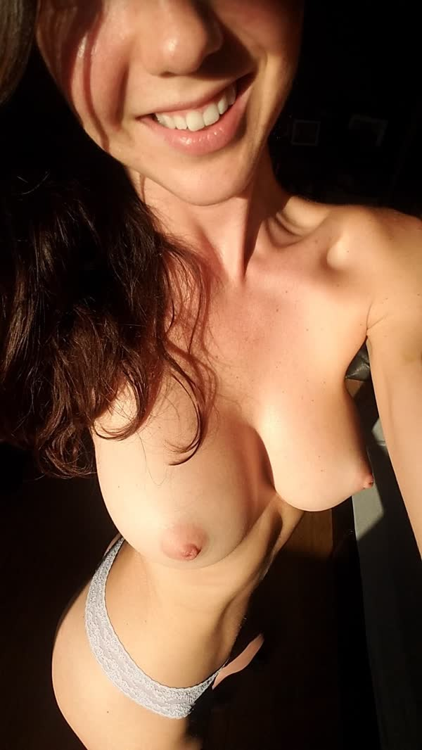 amadoras-safadas-em-selfies-caseiras-18