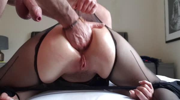 fodendo-o-cuzinho-da-esposa-26