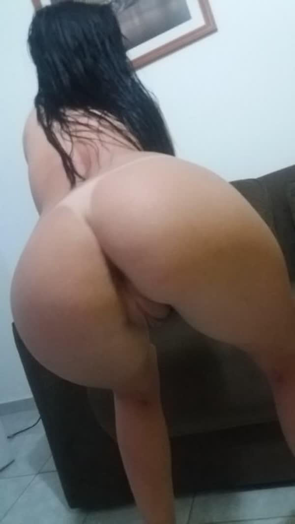 bucetuda-amadora-se-mostrando-em-fotos-porno-8
