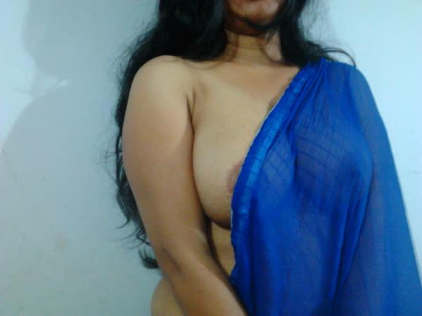 indiana-mostrando-seus-peitoes-naturais-16