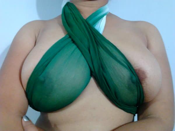 indiana-mostrando-seus-peitoes-naturais-20
