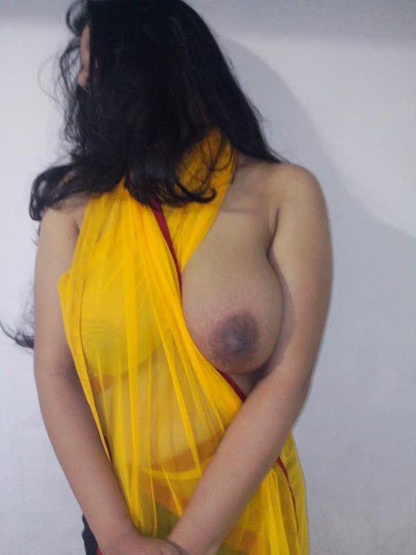indiana-mostrando-seus-peitoes-naturais-4