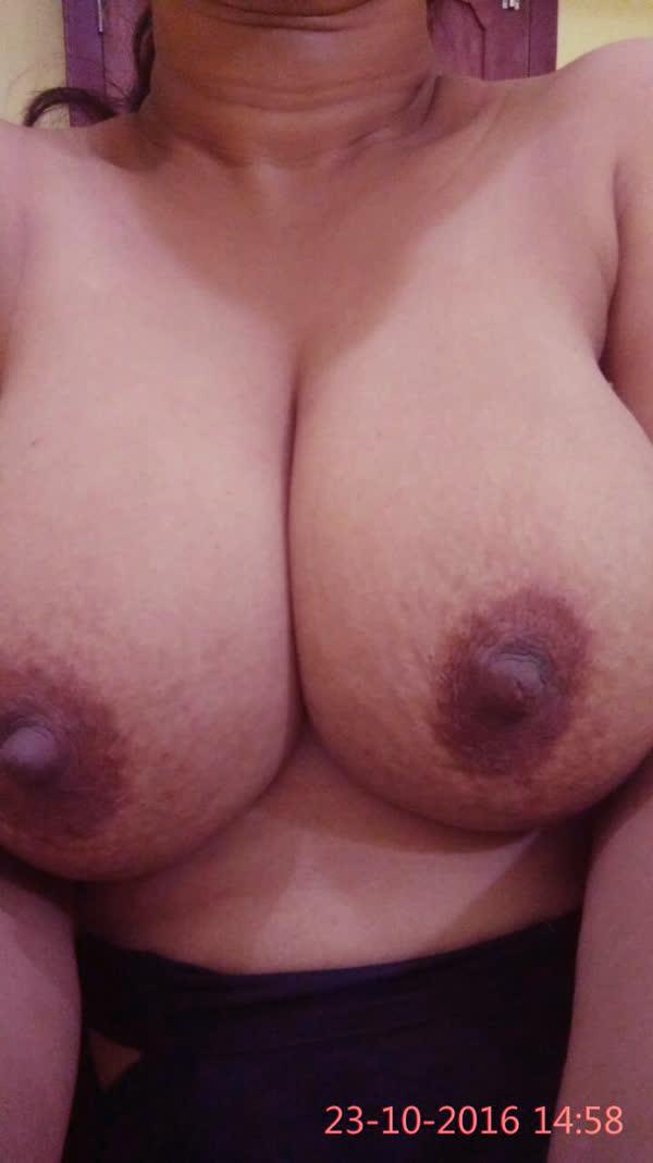 indiana-mostrando-seus-peitoes-naturais-7