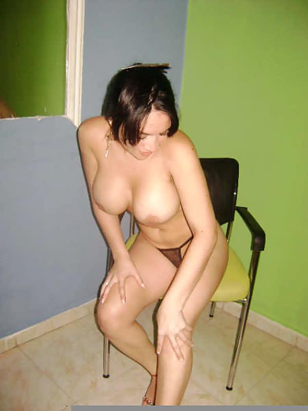 mexicana-fantasiada-de-enfermeira-sexy-17