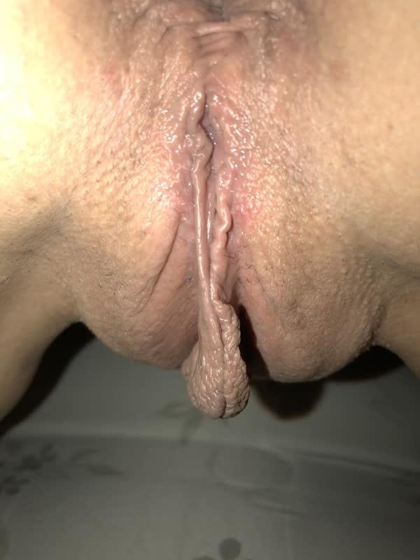 amadora-safada-com-piercing-no-bucetao-5