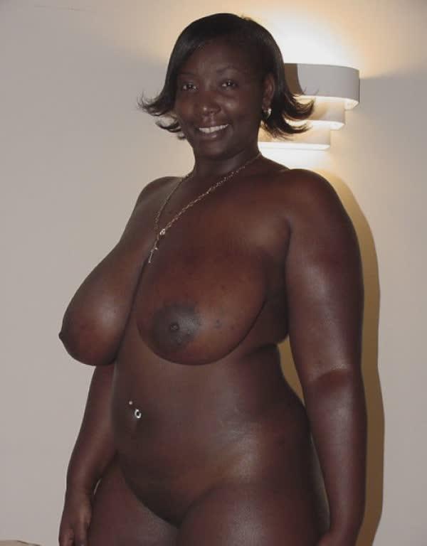 imagens-caseiras-com-peitos-de-negras-gostosas-23
