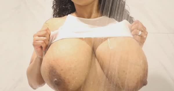 imagens-caseiras-com-peitos-de-negras-gostosas-31