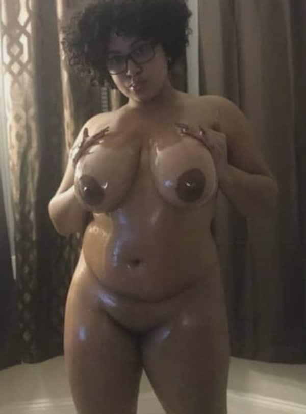 imagens-caseiras-com-peitos-de-negras-gostosas-59