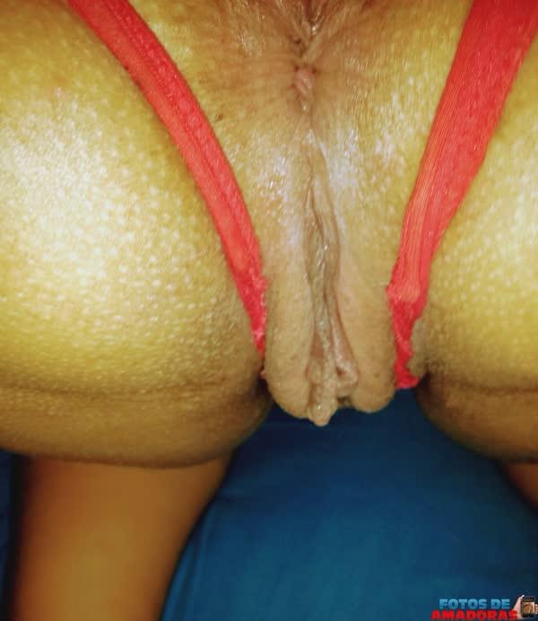 morena-gostosa-mostrando-a-vagina-na-praia-3