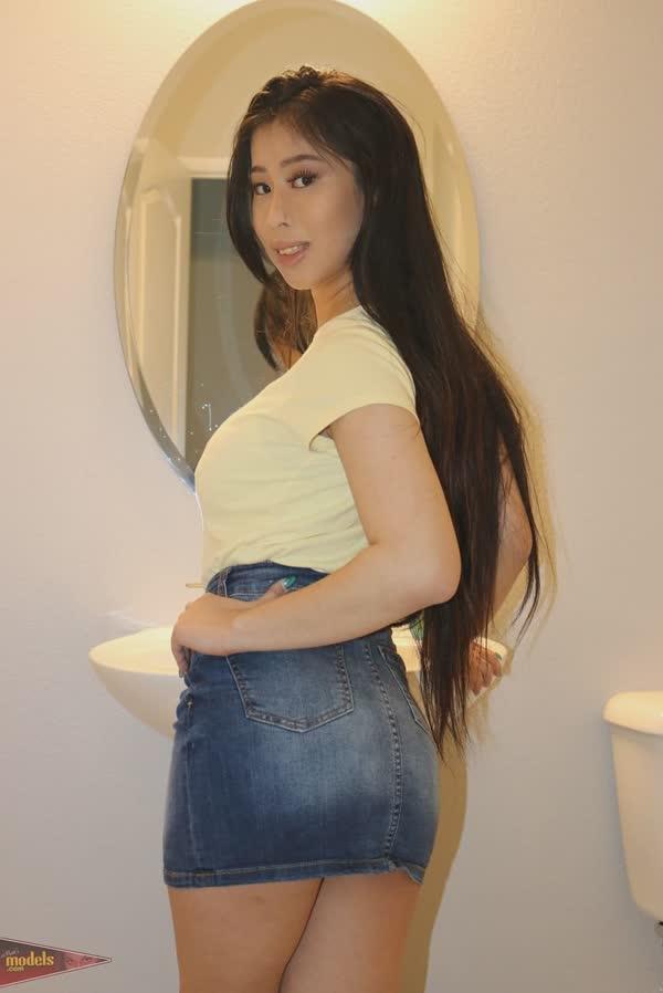 asiatica-amadora-mostrando-a-bucetinha-13