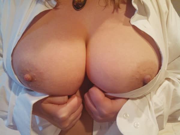 selecao-com-fotos-amadoras-de-peitos-39