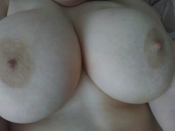 selecao-com-fotos-amadoras-de-peitos-54