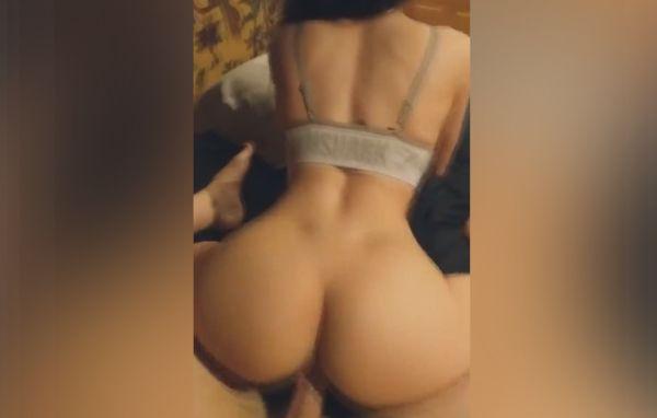 Imagem para Puta de quatro levando rola