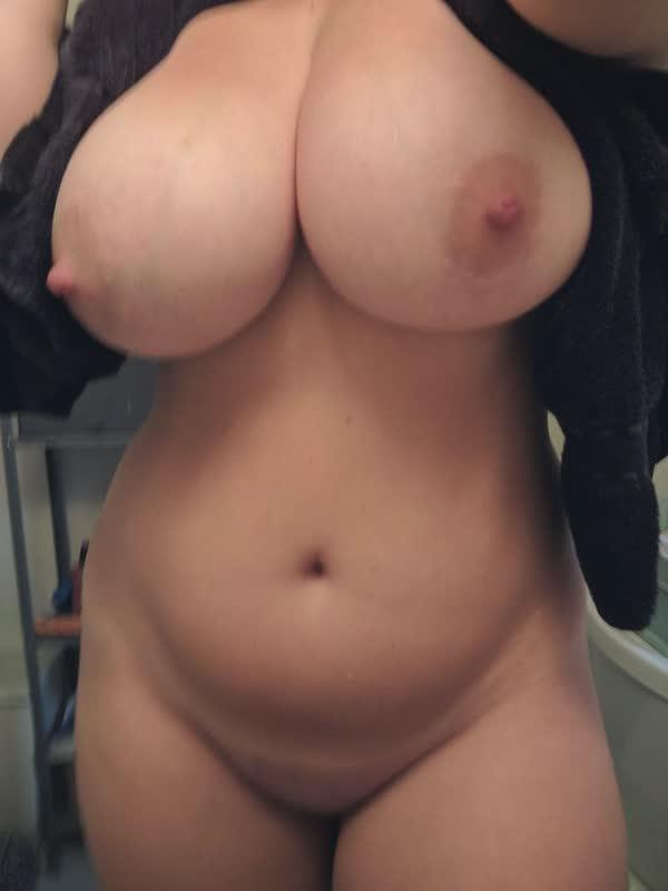 tetuda-amadora-em-fotos-porno-24